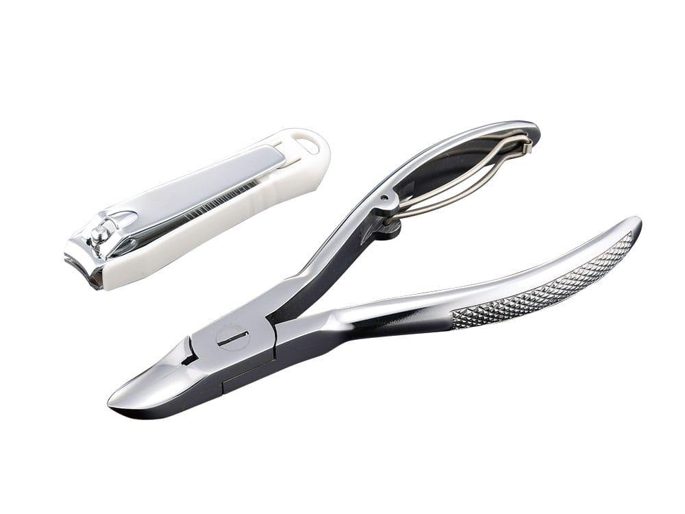 鍛造ニッパー式爪切りとカバー付き爪切り